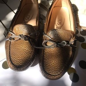Tod's original driving loafer